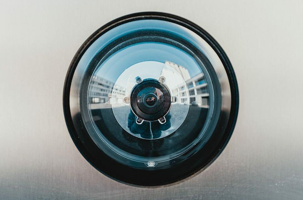 Imagem ilustrativa de uma câmera de monitoramento